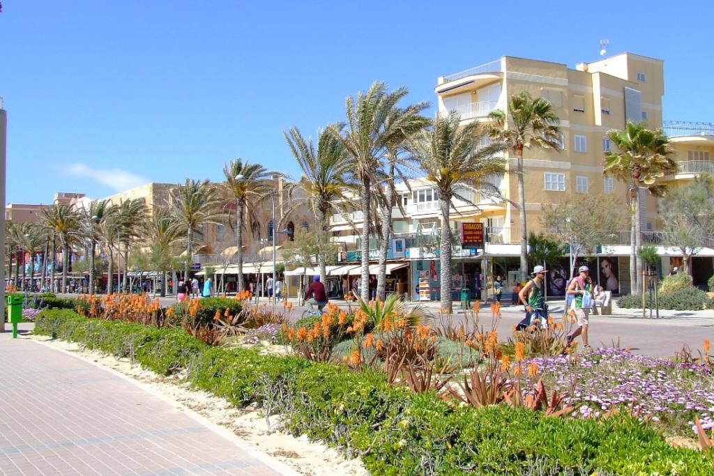 T14-11_Mallorca_Strandpromenade